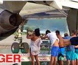 【動画】ボーイング 737-700の排気ガスが想像以上に強力|人が飛ぶ!