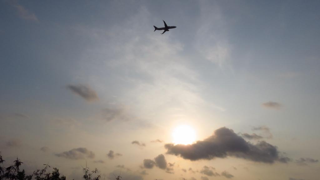 那覇空港始発便